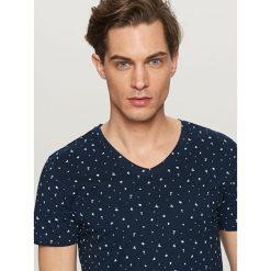 T-shirty męskie: T-shirt z mikrowzorem – Granatowy