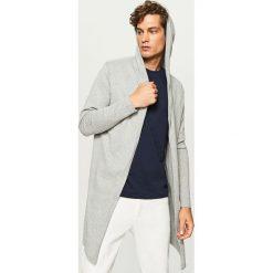 Długi sweter z kapturem - Jasny szar. Czarne swetry klasyczne męskie marki Reserved, m, z kapturem. Za 99,99 zł.