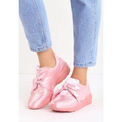 Różowe Buty Sportowe Tongue Twister. Czarne buty sportowe damskie marki Pull&Bear. Za 79,99 zł.