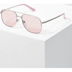 VOGUE Eyewear GIGI HADID Okulary przeciwsłoneczne pink. Czerwone okulary przeciwsłoneczne damskie aviatory VOGUE Eyewear. Za 579,00 zł.