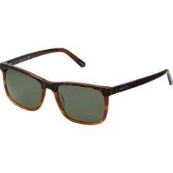 GANT GA7105 Okulary przeciwsłoneczne blonde havana/green polarized. Brązowe okulary przeciwsłoneczne męskie wayfarery GANT. Za 649,00 zł.