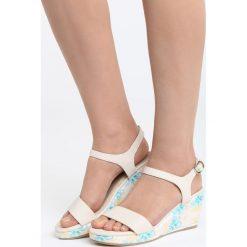 Beżowe Sandały Part Of Me. Brązowe sandały damskie marki Born2be, z materiału, na koturnie. Za 79,99 zł.
