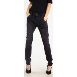 Mos Mosh JAMIE BIG TROKS BLACK Jeansy Slim Fit black denim. Czarne rurki damskie Mos Mosh. W wyprzedaży za 359,40 zł.