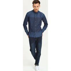 KOSZULA DŁUGI RĘKAW MĘSKA SLIM FIT. Szare koszule męskie na spinki Top Secret, m, w paski, z długim rękawem. Za 39,99 zł.