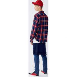 Flanelowa koszula w kratkę. Czerwone koszule męskie w kratę marki Pull&Bear, m. Za 89,90 zł.