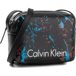 Listonoszki damskie: Torebka CALVIN KLEIN BLACK LABEL - Ck Zone Small Crossbody Splash K60K604198 910