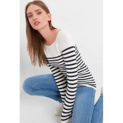 Sweter w paski. Czarne swetry klasyczne damskie marki Orsay, xs, z bawełny, z dekoltem na plecach. Za 59,99 zł.