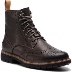 Kozaki CLARKS - Batcombe Lord 261378497  Taupe Leather. Brązowe buty zimowe męskie Clarks, z materiału. W wyprzedaży za 439,00 zł.