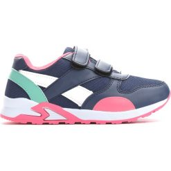 Granatowo-Różowe Buty Sportowe Connect. Czerwone buty sportowe dziewczęce marki Born2be, z materiału, z okrągłym noskiem. Za 49,99 zł.