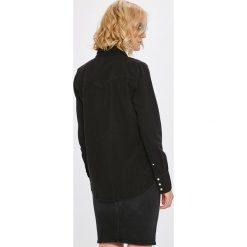Calvin Klein Jeans - Koszula. Szare koszule jeansowe damskie marki Calvin Klein Jeans, l, klasyczne, z klasycznym kołnierzykiem, z długim rękawem. W wyprzedaży za 279,90 zł.