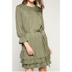 Answear - Sukienka. Szare sukienki balowe ANSWEAR, l, w paski, z poliesteru, z okrągłym kołnierzem, mini, rozkloszowane. W wyprzedaży za 99,90 zł.