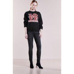 Love Moschino Bluza black. Czarne bluzy rozpinane damskie Love Moschino, z bawełny. W wyprzedaży za 437,40 zł.