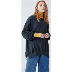 Bluza basic Join Life. Szare bluzy damskie marki Pull&Bear. Za 89,90 zł.