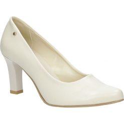 Beżowe czółenka na słupku Casu 3043. Brązowe buty ślubne damskie Casu, na słupku. Za 78,99 zł.