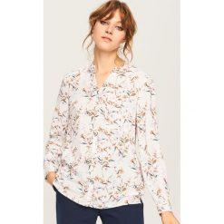 Koszula w kwiaty - Kremowy. Białe koszule damskie Reserved, w kwiaty. Za 69,99 zł.
