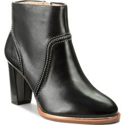 Buty zimowe damskie: Botki CLARKS - Ellis Betty 261291714 Black Leather