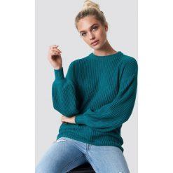 NA-KD Dzianinowy sweter z obniżonymi ramionami - Green. Szare swetry klasyczne damskie marki NA-KD, z bawełny, z podwyższonym stanem. Za 121,95 zł.