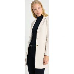 Opus HALINI SPECIAL Krótki płaszcz oatmeal. Brązowe płaszcze damskie Opus, z bawełny. Za 419,00 zł.