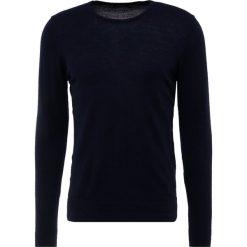 J.LINDEBERG Sweter navy. Niebieskie swetry klasyczne męskie J.LINDEBERG, m, z materiału. Za 419,00 zł.