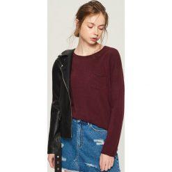 Sweter z kieszenią - Fioletowy. Fioletowe swetry klasyczne damskie Sinsay, m. Za 39,99 zł.