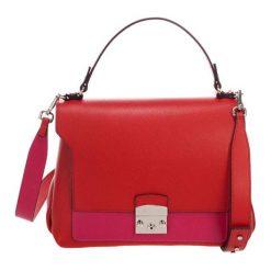 Torebki klasyczne damskie: Skórzana torebka w kolorze czerwonym – (S)30 x (W)37 x (G)14 cm