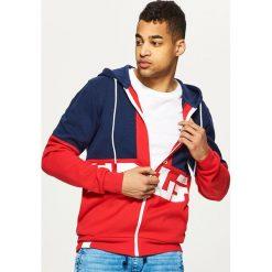 Bluzy męskie: Trójbarwna bluza z kapturem – Czerwony
