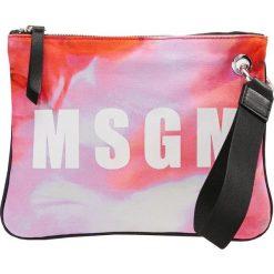 MSGM MINI POUCH Kopertówka fancy red. Czerwone puzderka marki MSGM. W wyprzedaży za 368,55 zł.