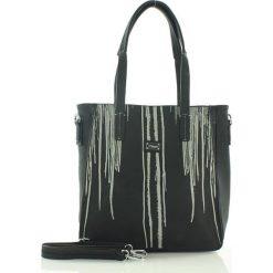 Prostokątna torebka shopper bag czarny. Czarne torby na laptopa marki FURRINI, w paski, ze skóry. Za 90,00 zł.