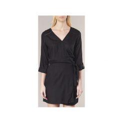 Sukienki krótkie Kaporal  VARIM. Sukienki małe czarne Kaporal, m, z krótkim rękawem. Za 179,30 zł.