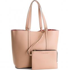 Torebka CALVIN KLEIN - Inside Out Large Sho K60K604301  901. Brązowe torebki klasyczne damskie Calvin Klein, ze skóry ekologicznej, duże. W wyprzedaży za 479,00 zł.