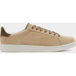 Buty męskie: Zamszowe buty sportowe w piaskowym kolorze