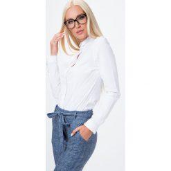 Koszule wiązane damskie: Koszula z zakrytymi guzikami biała MP26020