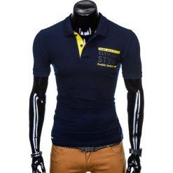 KOSZULKA MĘSKA POLO Z NADRUKIEM S904 - GRANATOWA. Czarne koszulki polo marki Ombre Clothing, m, z bawełny, z kapturem. Za 34,99 zł.