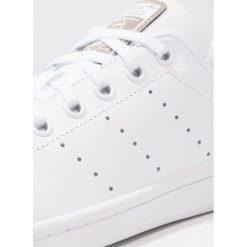 Adidas Originals STAN SMITH Tenisówki i Trampki footwear white. Białe tenisówki męskie marki adidas Originals, z materiału. Za 279,00 zł.