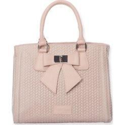 """Torebki klasyczne damskie: Skórzana torebka """"Christie"""" w kolorze jasnoróżowym – 26 x 11 x 22 cm"""