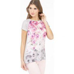 T-shirt z wielobarwnymi różami. Czerwone t-shirty damskie Monnari, l, w kolorowe wzory, z koronki. Za 47,60 zł.