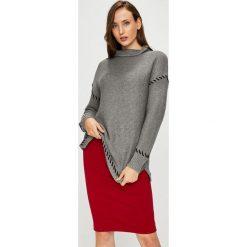 Silvian Heach - Sweter. Szare swetry klasyczne damskie marki Silvian Heach, l, z dzianiny, z włoskim kołnierzykiem. Za 399,90 zł.