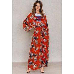 Długie sukienki: NA-KD Boho Sukienka-płaszcz z szyfonu - Red,Multicolor