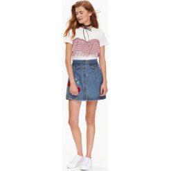 T-shirty damskie: T-SHIRT DAMSKI Z OZDOBNA FALBANKĄ W KRATKĘ
