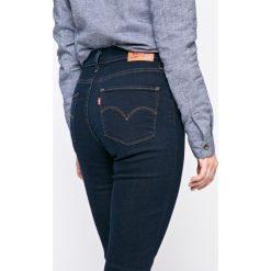 Levi's - Jeansy 721. Brązowe jeansy damskie rurki marki Levi's®, z podwyższonym stanem. W wyprzedaży za 239,90 zł.