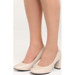 Beżowe Czółenka Comfy-Looking. Brązowe buty ślubne damskie Born2be, ze skóry, z okrągłym noskiem, na obcasie. Za 69,99 zł.