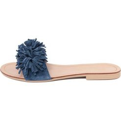 Chodaki damskie: Skórzane klapki w kolorze niebieskim