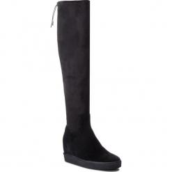 Muszkieterki GUESS - FLFLC3 ESU11  BLACK. Czarne kowbojki damskie Guess, z materiału, przed kolano, na wysokim obcasie, na obcasie. Za 769,00 zł.