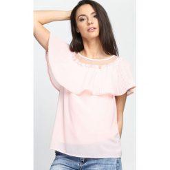 Różowa Bluzka Good Love. Czerwone bluzki na imprezę marki Born2be, s. Za 39,99 zł.