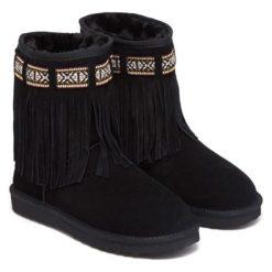 Skórzane botki w kolorze czarnym. Czarne buty zimowe damskie Carla Samuel, na zimę. W wyprzedaży za 259,95 zł.