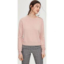 Luźny sweter - Różowy. Czerwone swetry klasyczne damskie marki 100% Maille, s, ze splotem, z okrągłym kołnierzem. Za 49,99 zł.