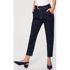 Jeansy z wysokim stanem - Granatowy. Niebieskie jeansy damskie Reserved, z podwyższonym stanem. Za 139,99 zł.