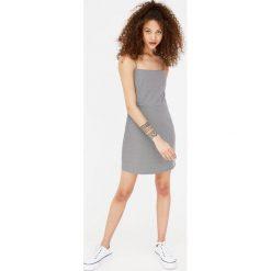 Sukienki: Obcisła sukienka mini