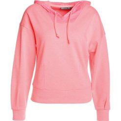 Bluzy damskie: Only Play ONPHEAVENN HOOD  Bluza z kapturem lipstick pink