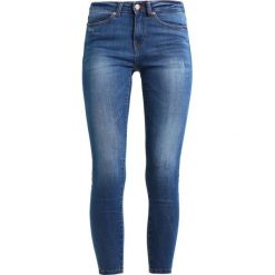 Noisy May NMLUCY  Jeans Skinny Fit medium blue. Niebieskie boyfriendy damskie Noisy May. Za 179,00 zł.